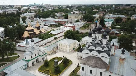 православие : Panoramic aerial view of Trinity and Annunciation Monasteries in Murom Стоковые видеозаписи