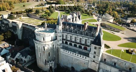 укрепленный : Royal Chateau in Amboise - castle in Loire valley, France Стоковые видеозаписи