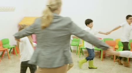 recessão : Group of children during recess Stock Footage