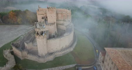 resmedilmeye değer : Famous fortress Castillo de Javier in the early morning. Navarre. Aragon. Spain