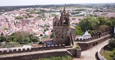 zanedbaný : Panoramic view from Montemor o Novo. The Alcaides palace ruins. Evora district. Alentejo, Portugal