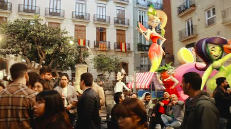 díszített : Valencia, Spain - March 18, 2019: Valencia during the New Year of the Falles Spring Festival