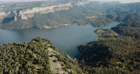 водохранилище : Aerial view from drone of Sau reservoir, Catalonia, at sunny autumn day