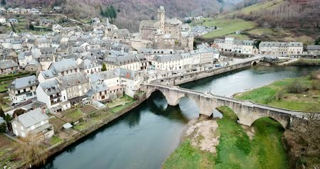 pyreneje : Day view of stone houses of medieval town Estaing in France