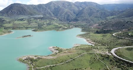 водянистый : Picturesque scene of mountain lake near Zahara de la Sierra, popular tourist attraction. Andalusia, Spain