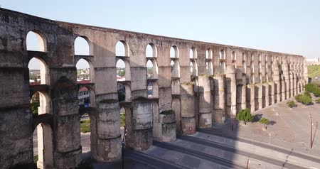 monumentális : Aqueduct in old city of Elvas. Portugal