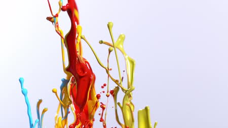 boyalar : Super slow motion of dancing colours shapes isolated on white background. Stok Video