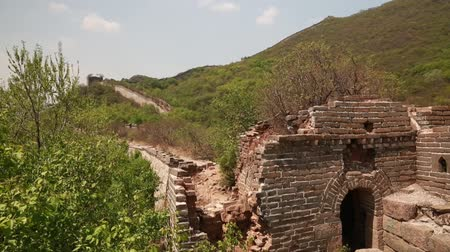 onarılmış : the jiankou section of the great wall of china in near beijing.  man made wonder of the world.