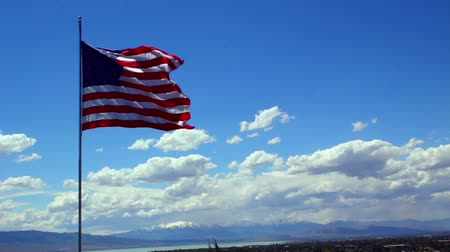 flaga : The Flag of the United States of America blowing in the wind