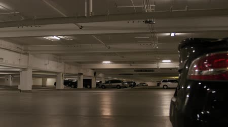 mroczne : An underground parking lot beneath a mall in downtown Salt Lake City, Utah