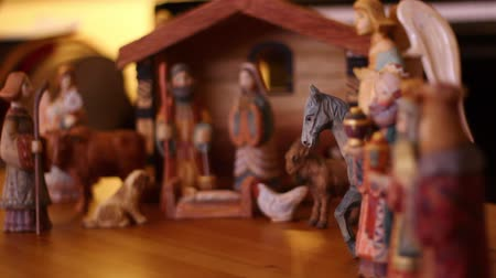 vallási : A beautiful hand carved and painted Nativity Creche