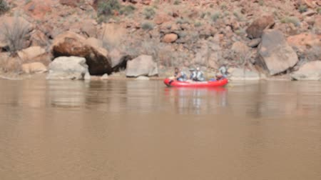 klapki : Boaters float down the colorado river near Moab Utah in Southern Utah