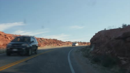 sál : Car driving through scenic arches national park