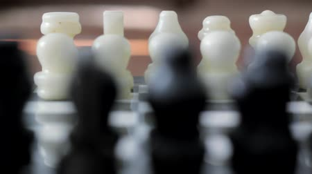 estratégico : Chess Board Dolly Shot Stock Footage