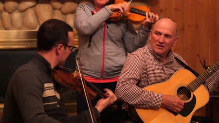 полоса : Family band playing music together