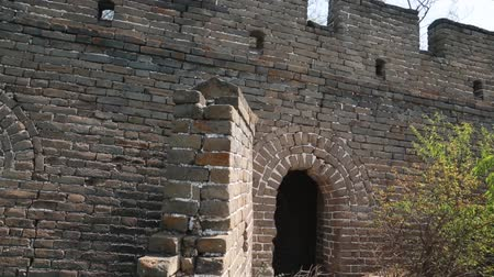onarılmış : cool unrestored guard tower of the great wall of china jiankou