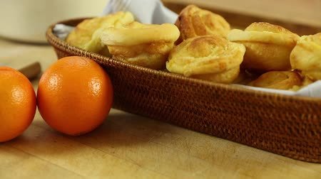 piekarz : freshly baked orange rolls in a basket