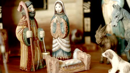 jezus : Hand Carved and Painted Nativity Scene