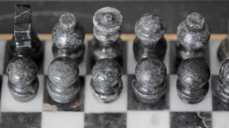 rytíř : Marble Chess Set Dolly Shot Left