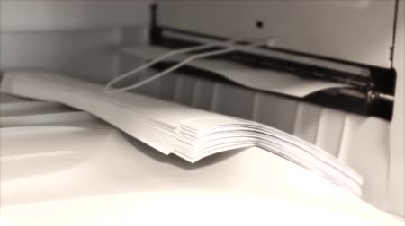 отходы : Office copier copying stack of paper