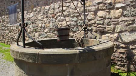 pozzo : Old Stone Water Well