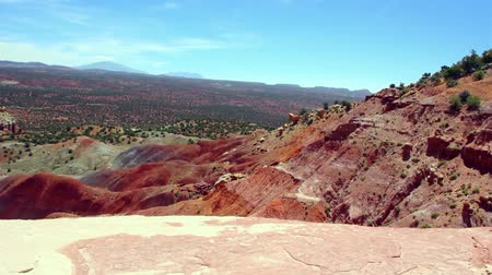 rocks red : Red rock in the Burr Trail