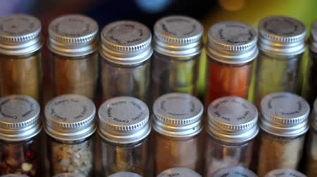 cominho : Spice Rack Panning Shot Right