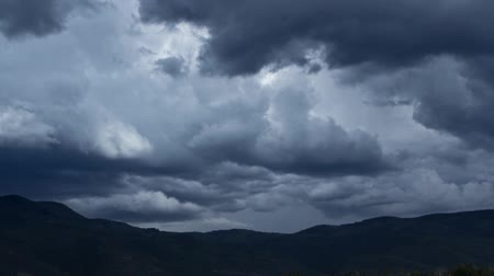 nuvens : Storm Clouds Over Mountain Time Lapse Vídeos