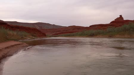 ток : the mexican hat rock on the san juan river