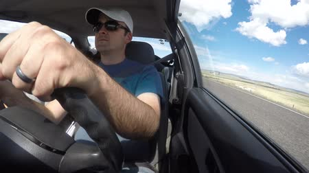 mapa : A timelapse of a family driving in a car on vacation