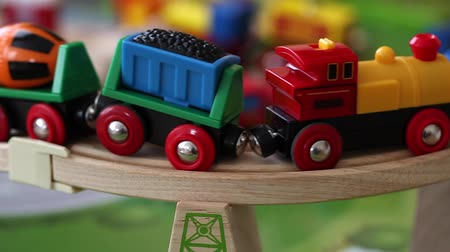 baterie : toy trains and cars on track Wideo