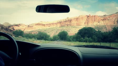 řídit : travelling through beautiful capitol reef national park