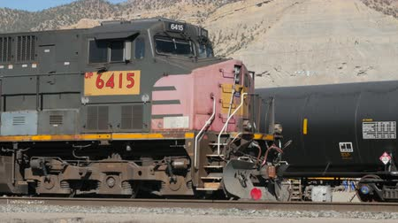 állomás : HELPER UTAH, USA- March 2015: Train engines prepare to leave the train station located in the small town of Helper Utah.