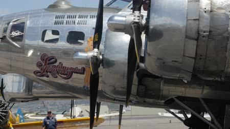 piloto : Heber City, Utah - June 14 2015: An original B17 bomber and other aircraft at a World War II exhibit at the Heber City Airport Vídeos