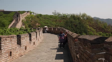 zeď : the jiankou to mutianyu section of the great wall of china in near beijing.  man made wonder of the world.