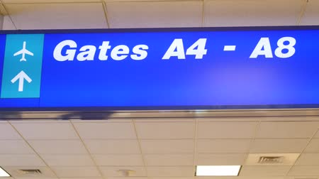 bolsa : Gate sign at the airport