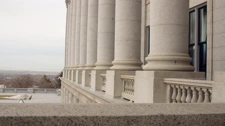 demokratický : Granite pillars at Utah State Capitol Building dolly shot