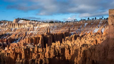 fennsík : Timelapse of fluffy clouds over bryce canyon national park