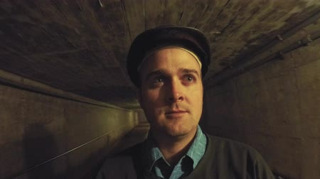 eixo : Tourist inside the coal mine at glace bay