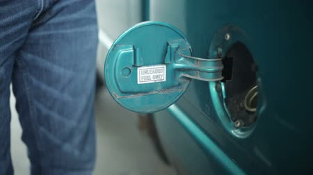 petrol : Filling up car gas tank with fuel at station. Stock Footage