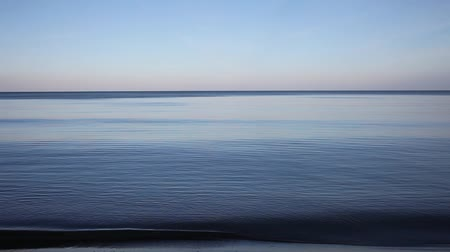 horizont : Calm in Baltic sea.