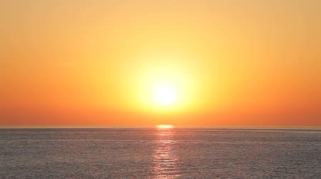 horizonte sobre a água : Beautiful sunrise over Mediterranean Sea in Andalusia, Spain.