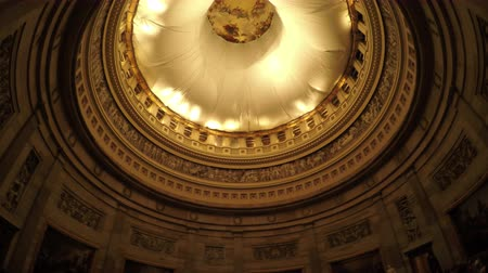 купол : Washington DC, USA - 16 May 2015: View of the United States Capitol dome ceiling with a construction tarp. Стоковые видеозаписи