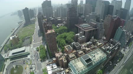 Top view at Midtown Manhattan and First Avenue in New York City, USA. Dostupné videozáznamy