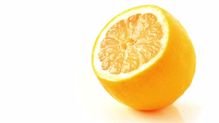 cytryna : Seamless rotation of fresh juicy lemon on white background