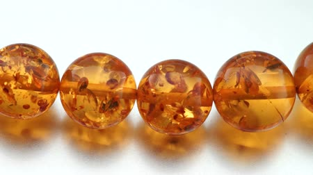juwelen : Amber Jewelry Stockvideo