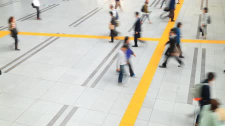 tokio : Aerial view of people walking on passageway Wideo