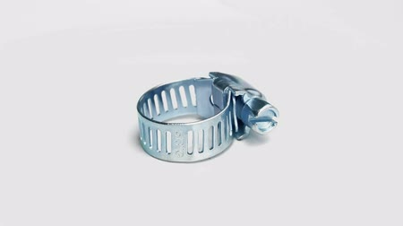 затянуть : Hose Clamp On White Background