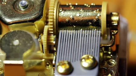 parafusos : Closeup Shot Of Inner Workings Music Box
