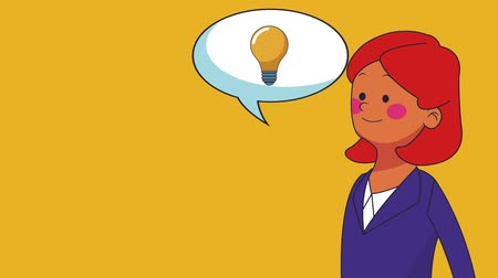 sobre : Businesswoman talking about ideas with bulb inside bubble speech High Definition animation colorful scenes